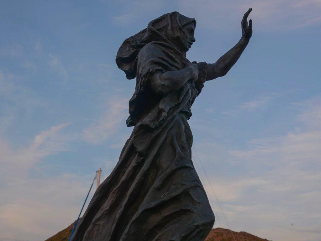 Feskarkjerringa - Statue of Fisherman's wife